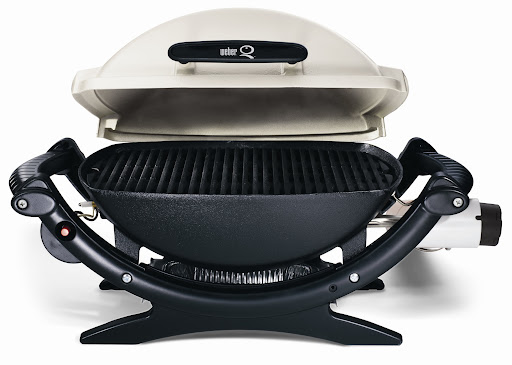 Portable Weber Grill: perfect for tailgating
