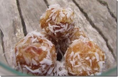 Kokos-Dattel-Konfekt