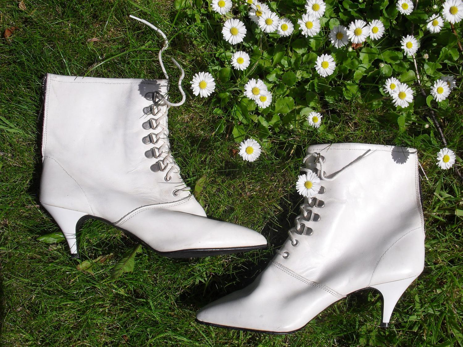 Vintage 80s Granny ankle boot