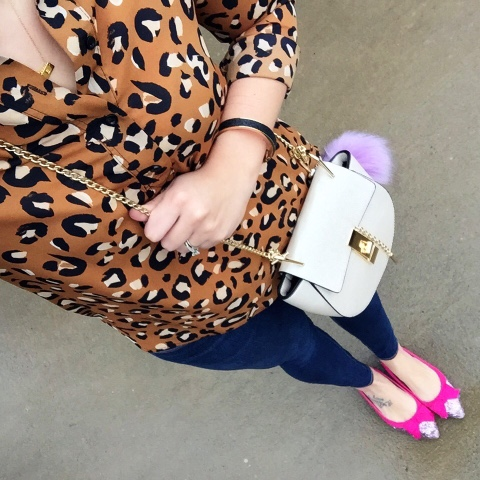 look for less, mom style, leopard print top