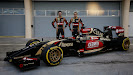 Lotus E22 Official Reveal Romain Grosjean & Pastor Maldonado