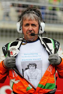 Нил Дики в футболке Франсуа Севера на стартовой решетке Йонама на Гран-при Кореи 2013