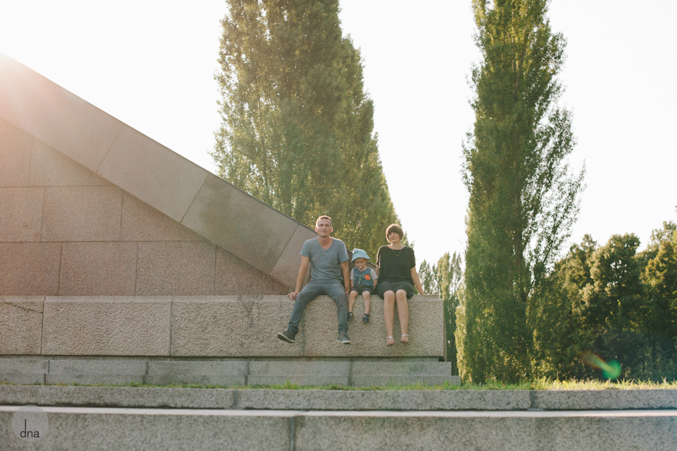 Katja and Mike and Levi family shoot Treptower Park Berlin shot by dna photographers 0058.jpg