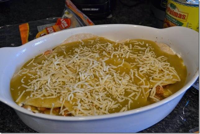 Green-Chile-Chicken-Enchilada-Casserole-Recipe-Steps (1)