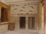 In einem der Gebäude im Knossos-Palast: / В одном из строений Кносского дворца