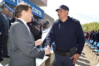 De los 807 efectivos de la Policía bonaerense egresados en La Costa, sólo 17 tienen domicilio fuera del distrito