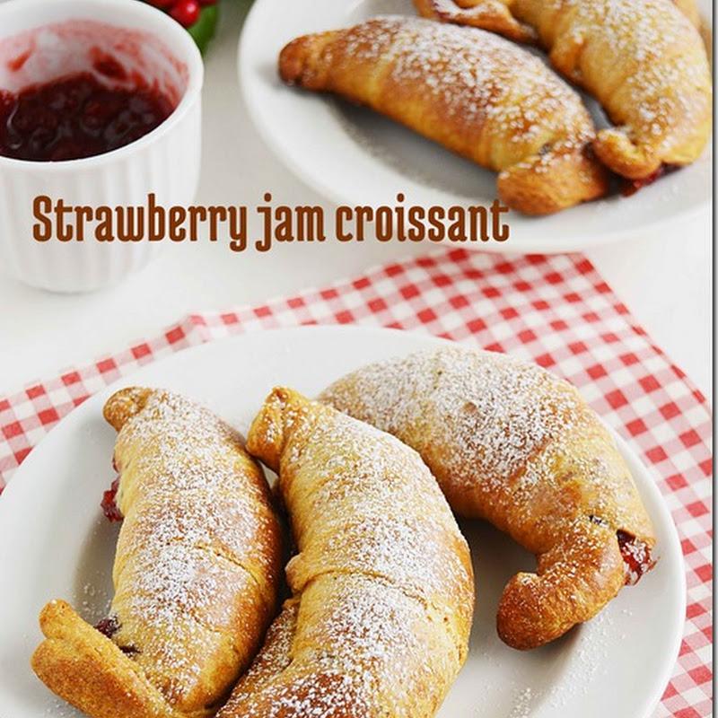 Strawberry jam croissants / Jam filled Croissants