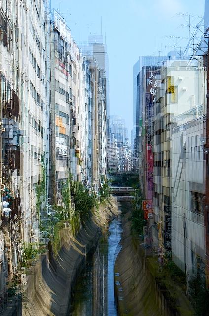 Shinjuku Mad - Dreaming lucidly 01