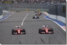 Le due Ferrari in lotta a Sochi