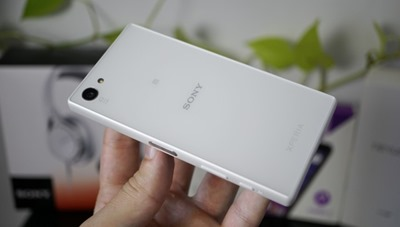 Sony-Xperia-Z5-Compact-Unboxing_5-640x362