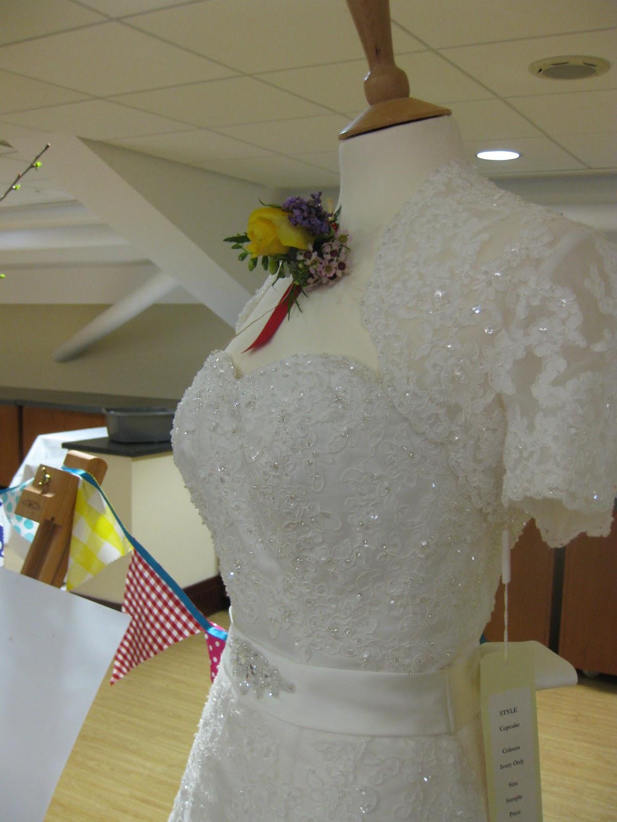 1950s wedding dresses invite