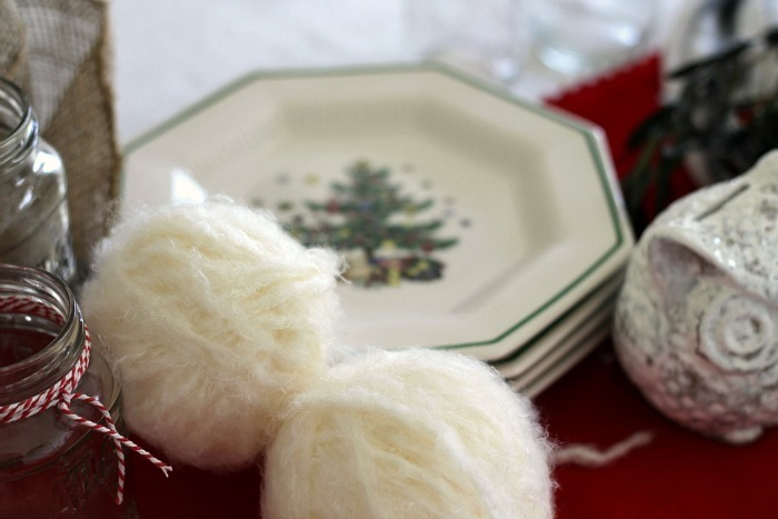 Holiday Dining Room Yarn Snowballs