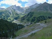Von Colmars und Allos kommend auf der Südrampe des Col d'Allos (2247 m).