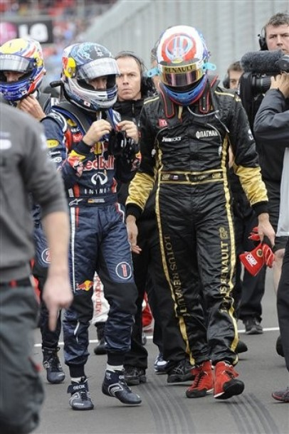 Себастьян Феттель и Виталий Петров после квалификации на Гран-при Австралии 2011