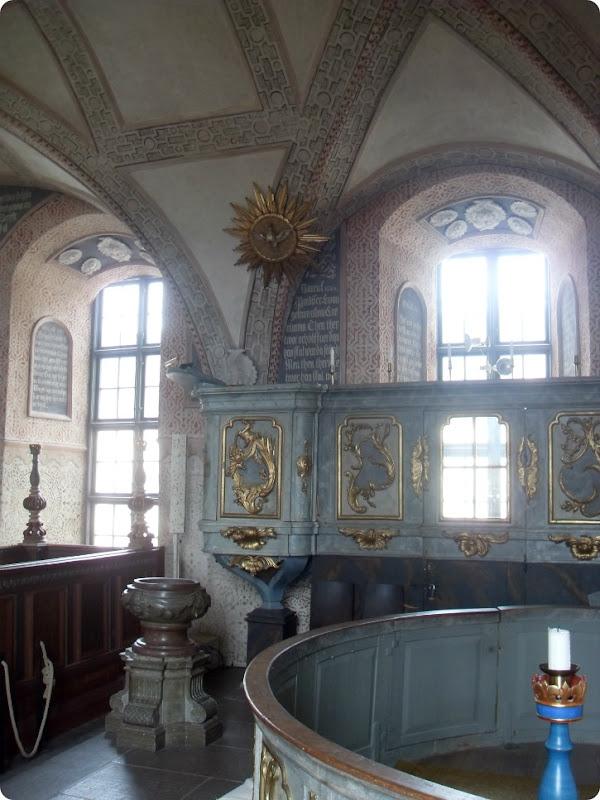 Kalmar Slotskirke - prædikestol og døbefond