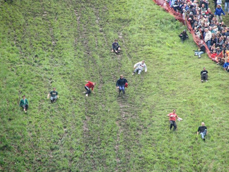 cooper-hill-cheese-rolling-9