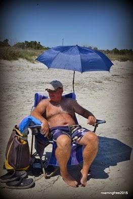 Tom found his chairbrella