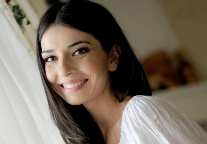 Alexandra Usurelu - Mai bine in doi