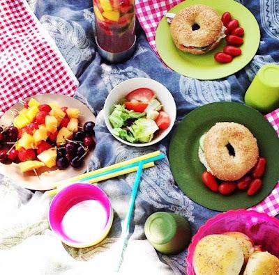 pains farcis, pain farci, recette pains farcis, recette pain hamburger veritable, bonne recette de pain hamburger, pic nic, picnic, chekchouka, fromage, farce, sesame, oignons, tomate, recette chekchouka, recette facile de pain, machine à pain, pertin, soleil, bronzer, bronzage, brochette de fruits, mesarticlesdujour, mes articles du jour, blog de cuisine, blog recette, blog beaute