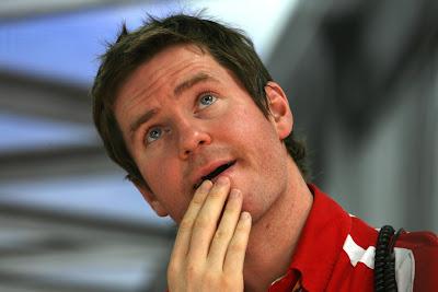 Роб Смедли в раздумьях на Гран-при Индии 2011