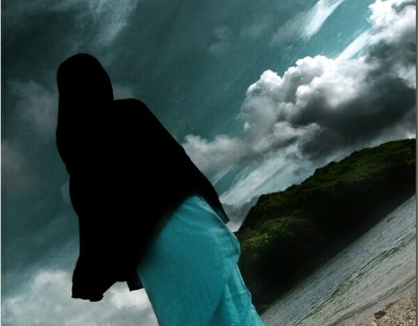 wanita kerudung hitam, cantik, misterius