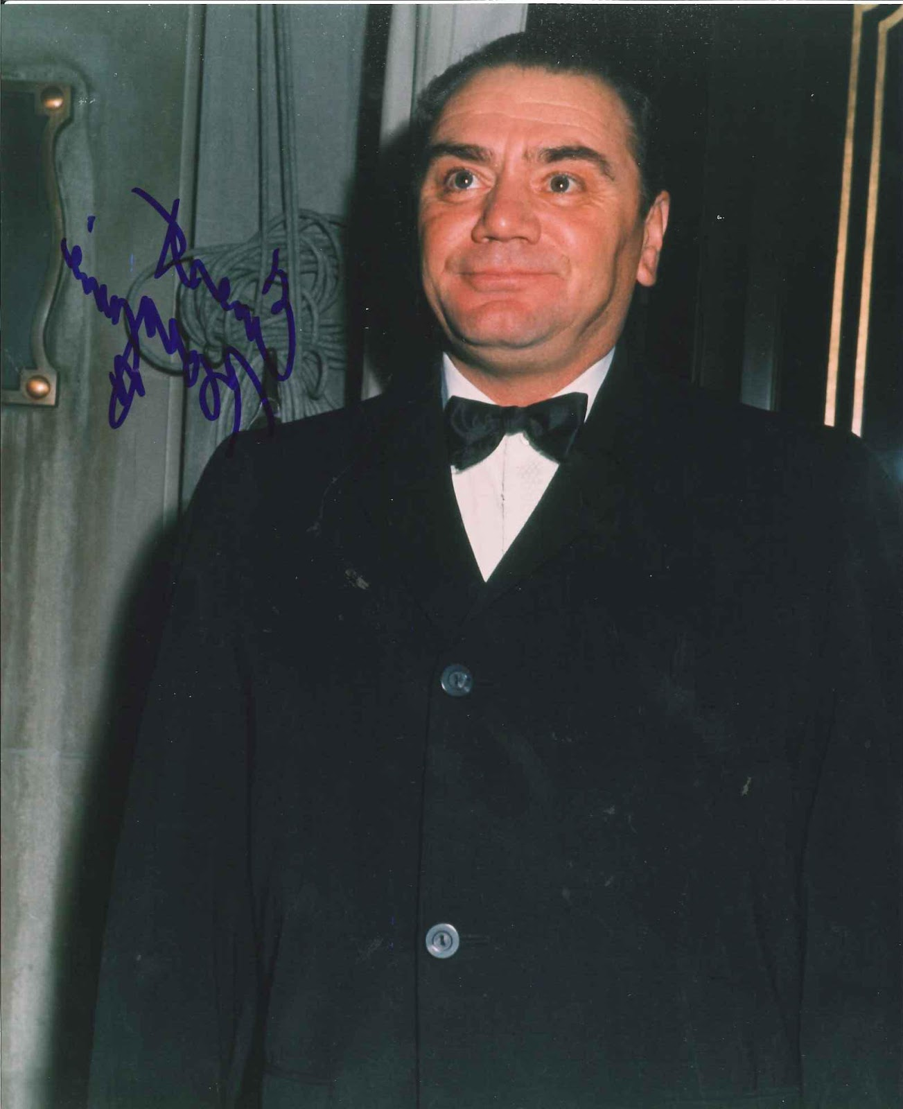 Borgnine, Ernest SP 8x10 color portrait of the Academy Award winning actor