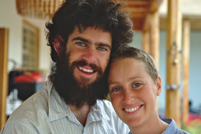 Leissete si Paul, plecati in luna de miere din Australia. Luna de miere s-a lungit pana acum la 7 luni pe 3 continente, si nu pare sa se incheie prea curand.