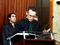 1 - Ex-borracheiro torna-se Juiz Federal no DF após estudar com 200 kg de resumos