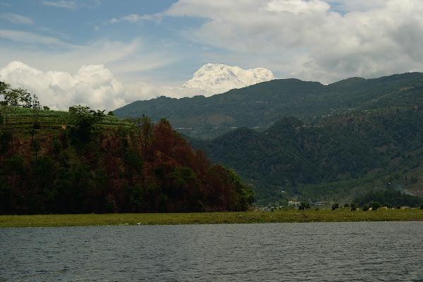 озеро фева горы гималаи