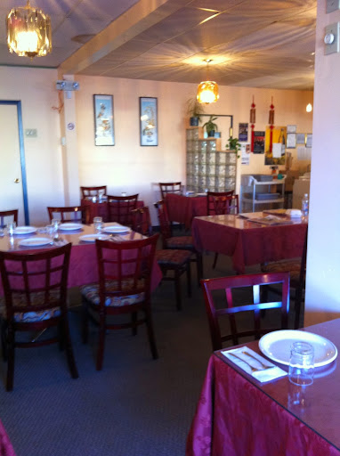 Spicy Hut, 203 4 St NE, Calgary, AB T2E 3S1, Canada, Indian Restaurant, state Alberta