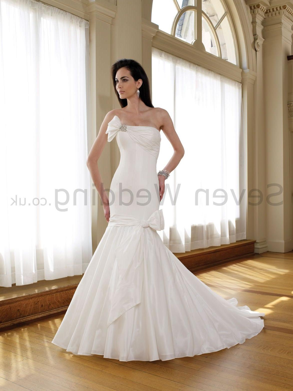 Wedding Dress. Luxurious