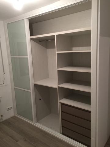 Karpinteria puertas armarios y tarimas trabajos de for Diseno interior armarios empotrados