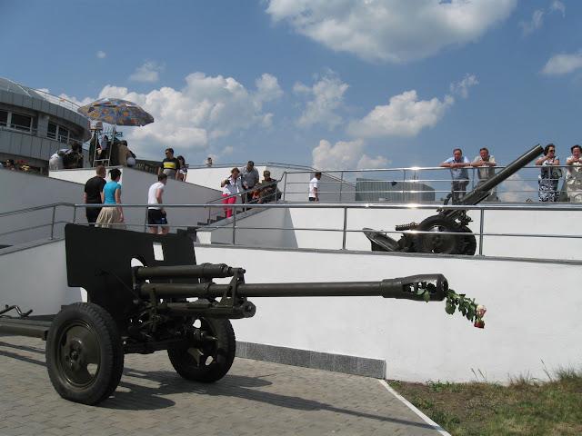 орудие на высоте конева