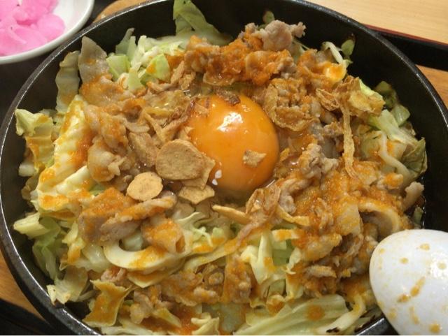 大盛軒 鉄板麺 生卵