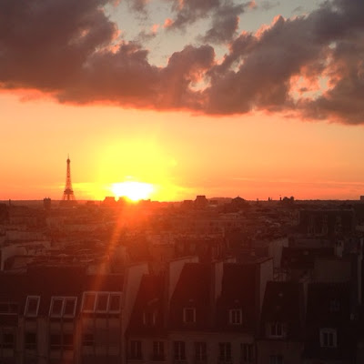 Paris, le weekend, #MySundayPhoto, travel, France, photography, street art, sacre coeur, graffiti, eiffel tower, Pompidou centre, sightseeing, Montmatre, music, busking, Argentine tango, sunset,