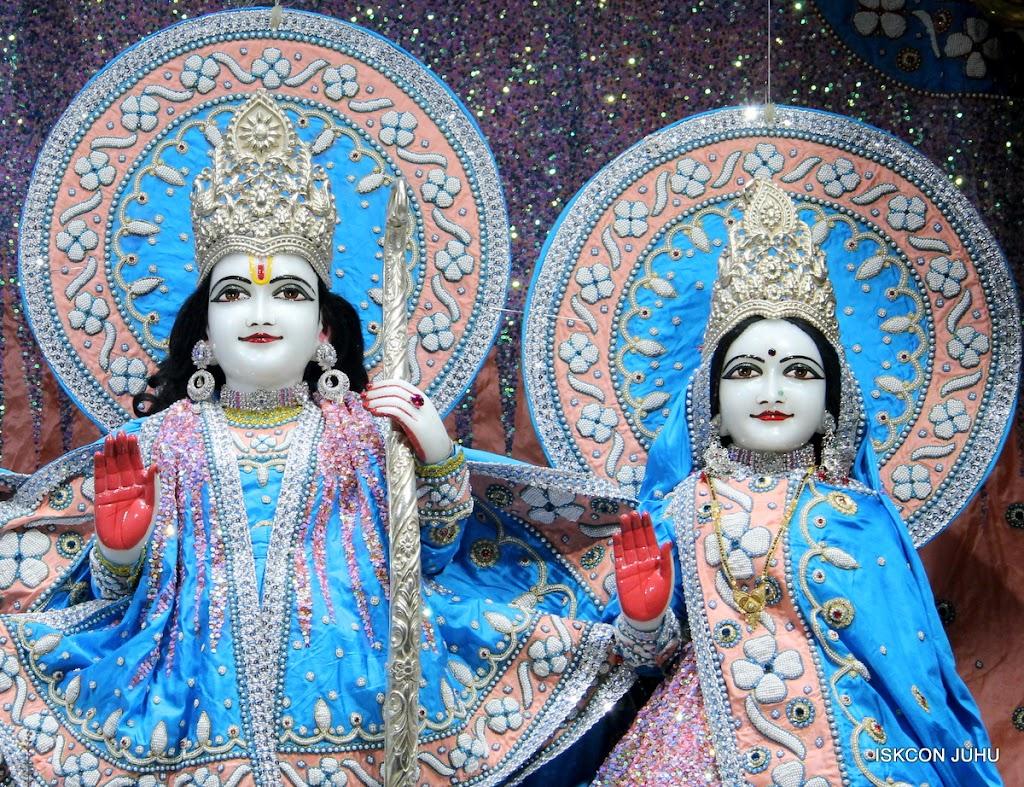 ISKCON Juhu Mangal Deity Darshan 11 Feb 16 (13)