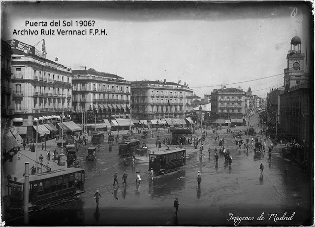 Imagenes antiguas de madrid la puerta del sol for Puerta del sol madrid fotos