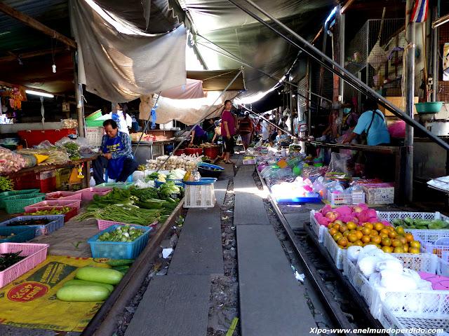 mae-klong-mercado-tren.JPG