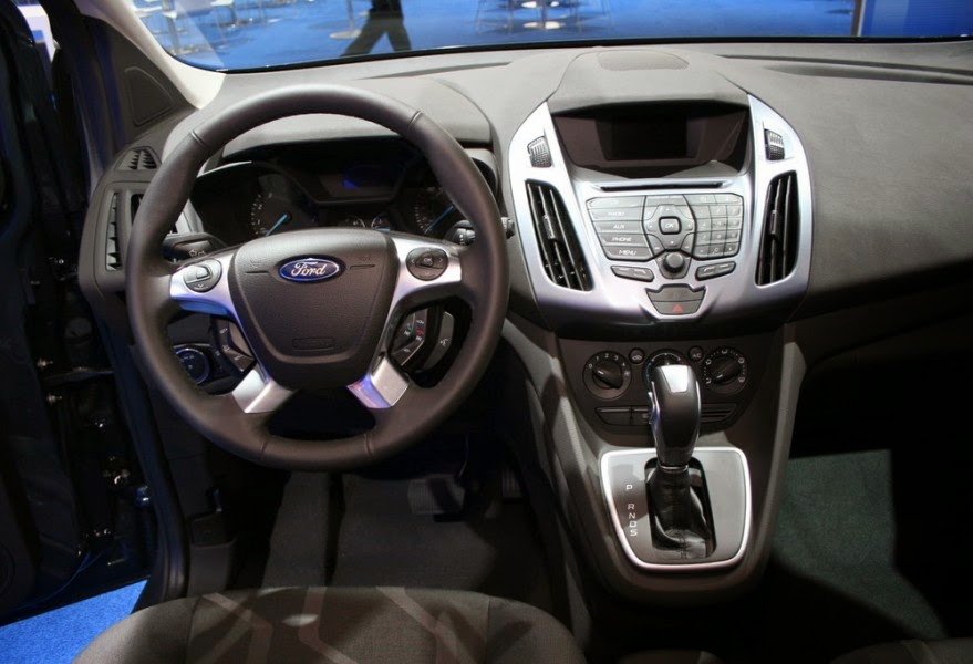 2013-Ford-Tourneo-Connect-6