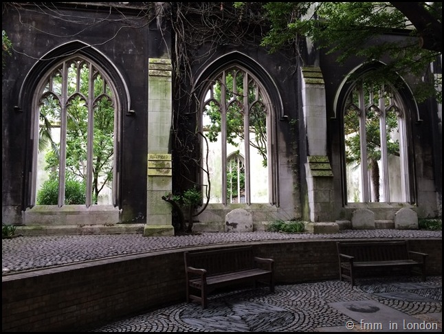 Looking into St Dunstan in the East