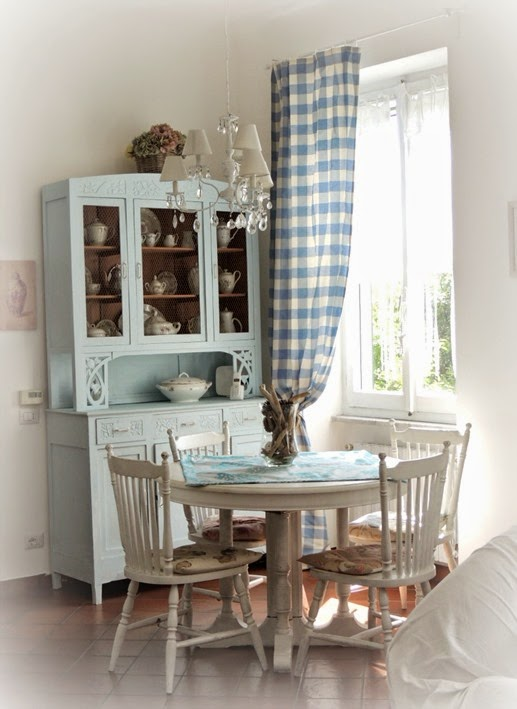 shabby and charme la mia casetta shabby al mare il soggiorno. Black Bedroom Furniture Sets. Home Design Ideas