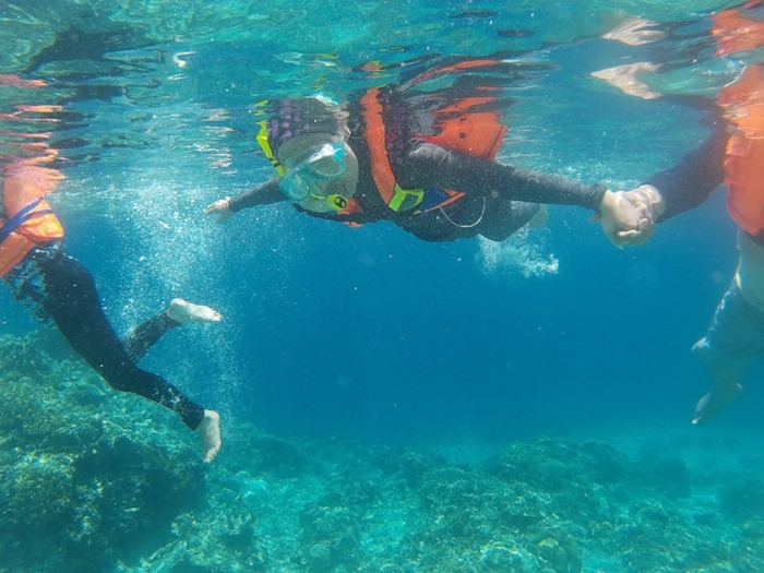 Snorkeling Permukaan Air Laut - Trip Pulau Menjangan Pulau Tabuhan Banyuwangi