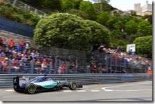 Lewis Hamilton nelle prove livere del gran premio di Monaco 2015
