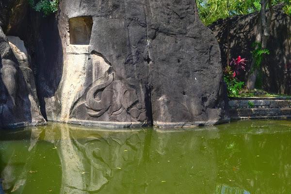 барельеф слон, Исурумуния