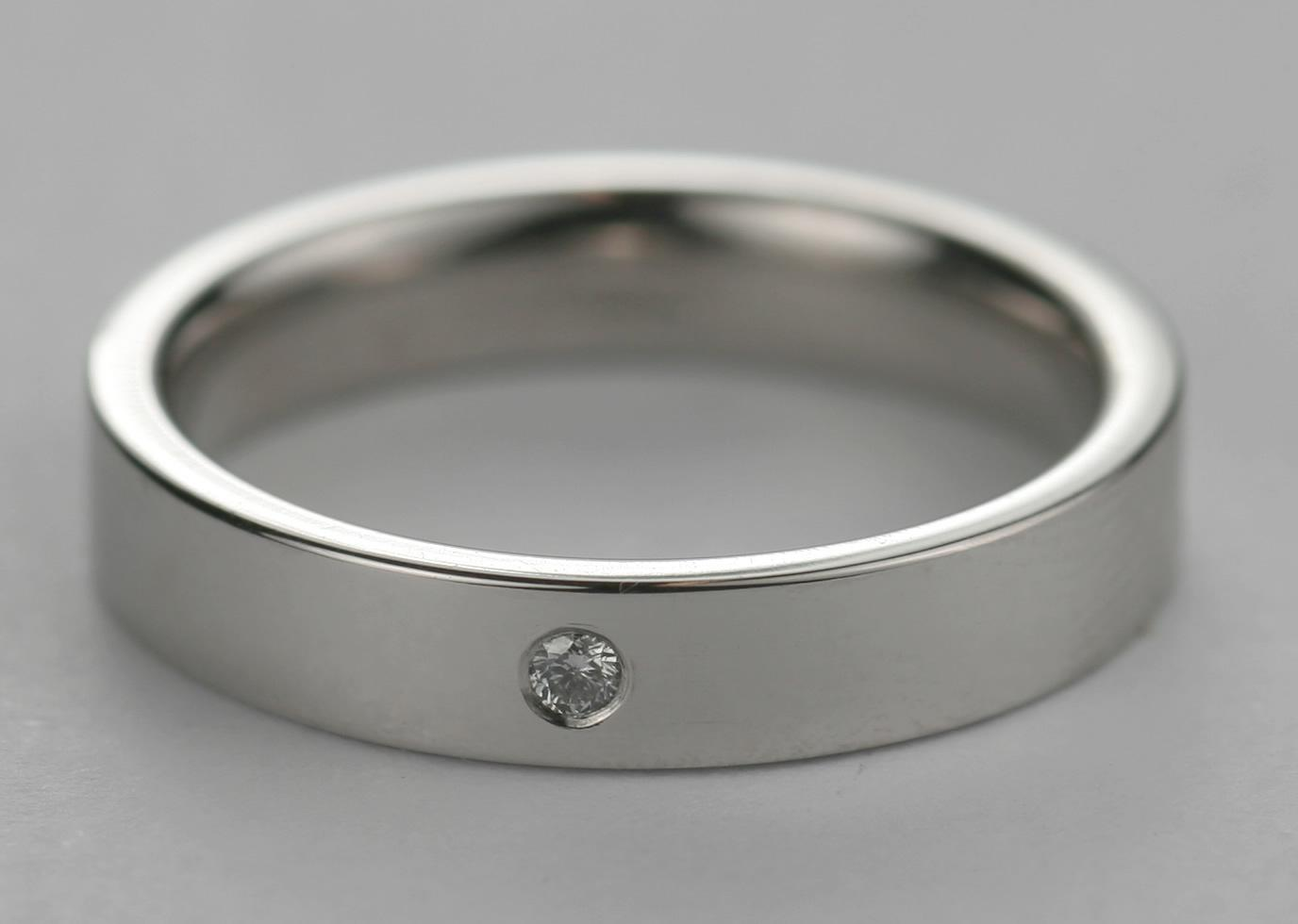 Platinum mens wedding ring