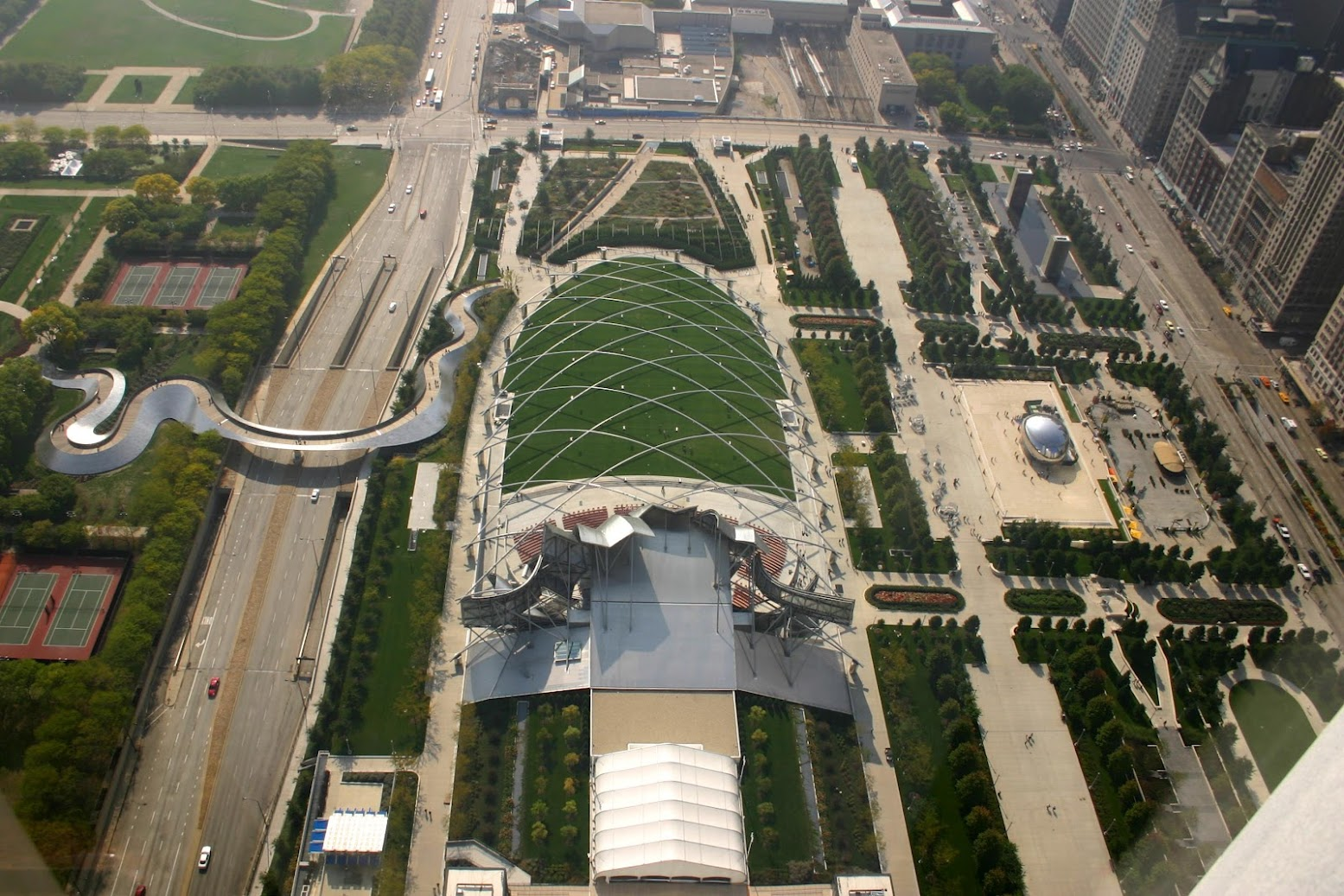 350 E Monroe St, Chicago, Illinois 60601, Stati Uniti: [MILLENNIUM PARK IN CHICAGO]