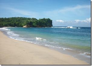 Tempat Wisata Pantai Gondo Mayit yang Misterius