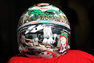 специальный шлем Витантонио Льюцци к Гран-при Италии 2011 в Монце вид сзади