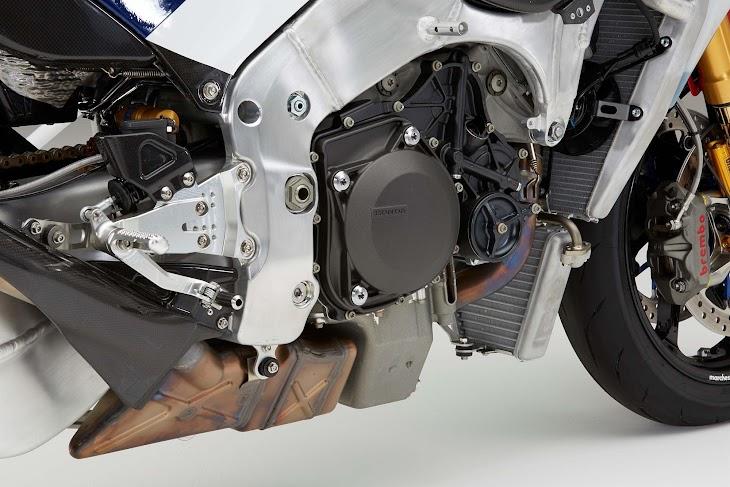 2016-Honda-RC213V-S-street-bike-31.jpg