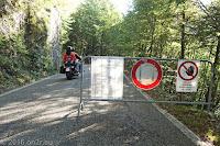 Hoch zum Forcella di Monte Rest (1076m).